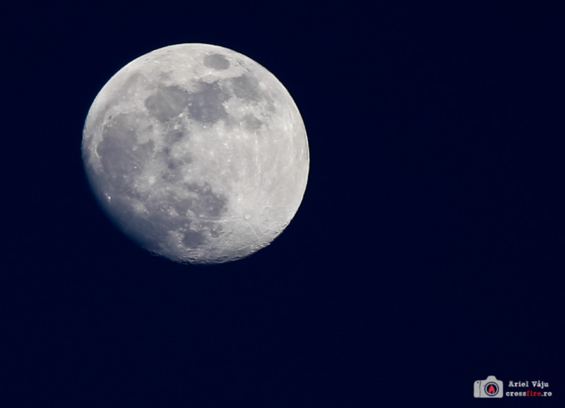 Almost full moon - 100% crop with 70-200 IS f/4 (steady hand