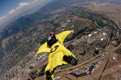 wingsuit-flying-1